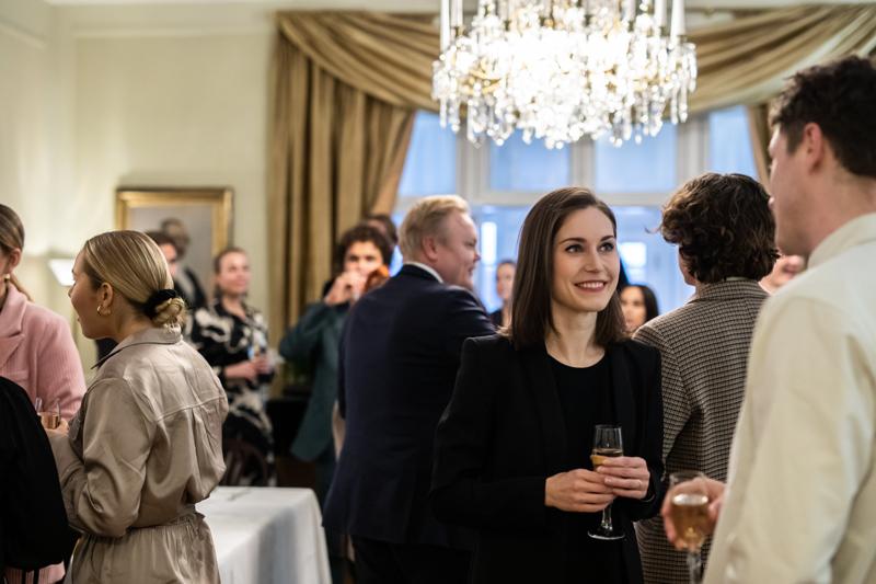 Pääministeri Sanna Marinin järjestämä tapaaminen Kesärannassa nostatti kohun, joka johti muun muassa kulttuurialan rahoitusleikkauksen perumiseen.