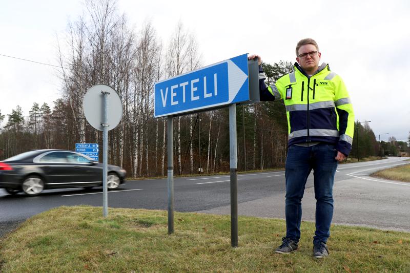 Vetelin urakka-alueen tienhoito siirtyi lokakuun alussa YIT:lle. Työmaapäällikkönä on perholainen Markku Koski, joka työskenteli aiemmin T. Pahkankangas Oy:llä.