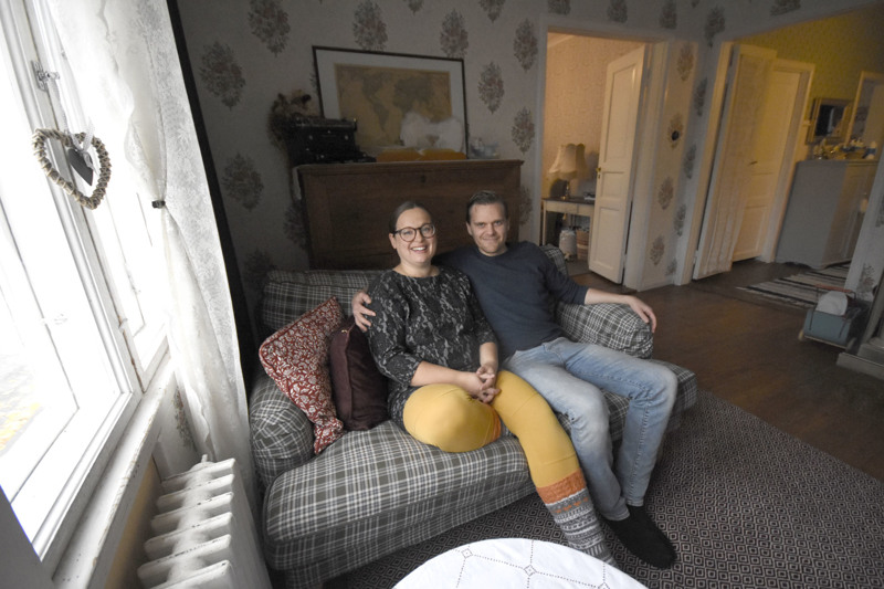 Olohuoneen sohva on yksi Jutta ja Petri Piispasen mielipaikoista.