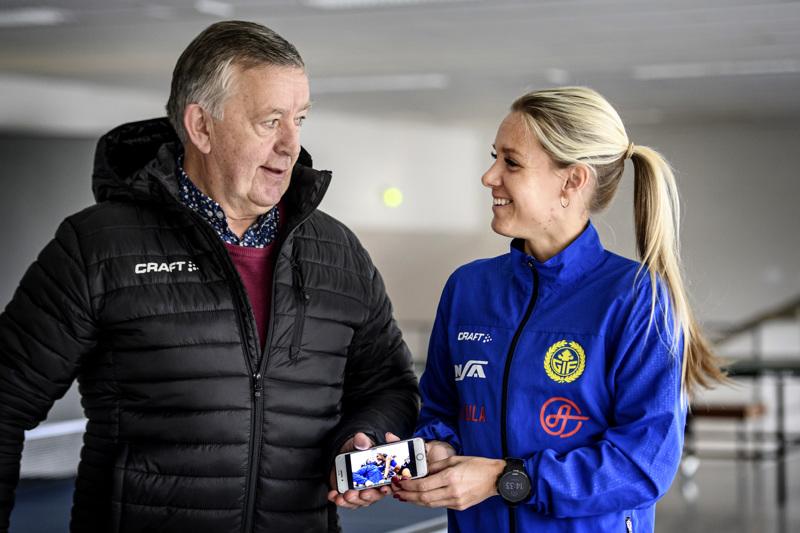 Håkan Prest ja Nina Chydenius Kokkolan Urheilutalolla.