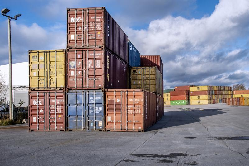 Kontti poikineen. Enemmänkin globaalin talouden kannalta olennaisia teräslaatikoita kaivattaisiin niin Kokkolaan kuin muihinkin suomalaisiin satamiin.