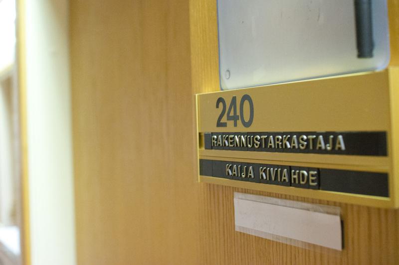 Kenen nimi asetetaan seuraavaksi ovenpieleen, kun Nivalan kaupungin rakennustarkastaja Kaija Kiviahde jää ensi vuonna eläkkeelle?