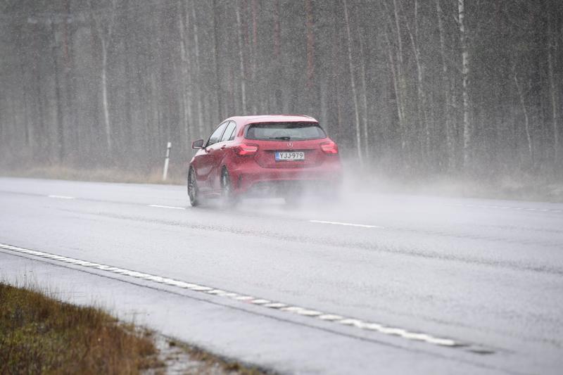Sateen olomuoto on vaihdellut perjantaina keskipohjalaisteillä.