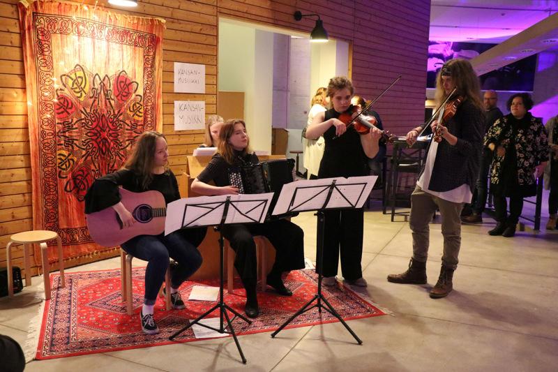 Kaustisen musiikkilukion Taiteiden yö järjestettiin yleisötilaisuutena viimeksi kaksi vuotta sitten. Viime vuonna tapahtuma striimattiin kuten koulun muutkin konsertit.