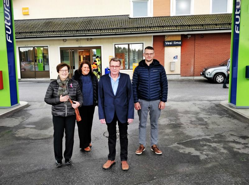Palkitun pedersöreläisfirman omistajaperheeseen kuuluvat Pamela ja Roger Anderssén, Johanna Anderssén-Blomqvist Petter Anderssén sekä kuvasta puuttuva Christoffer Anderssén.