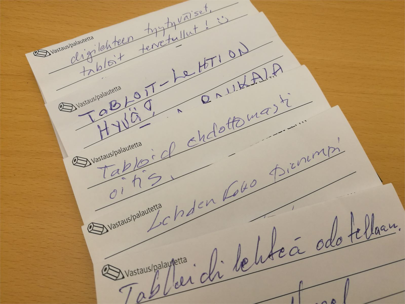 Muutamia lukijoiden kommentteja tabloidiin liittyen.