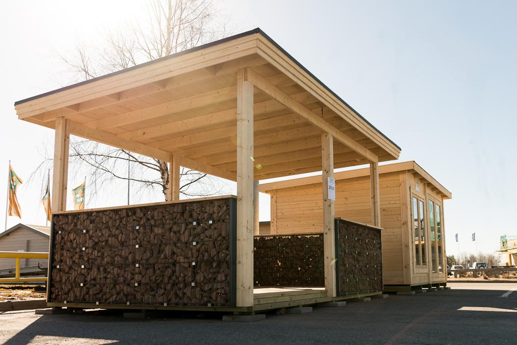 Kodin Terran valikoimista löytyvät myös piharakennukset aina saunoista latoihin sekä kylpytynnyrit.