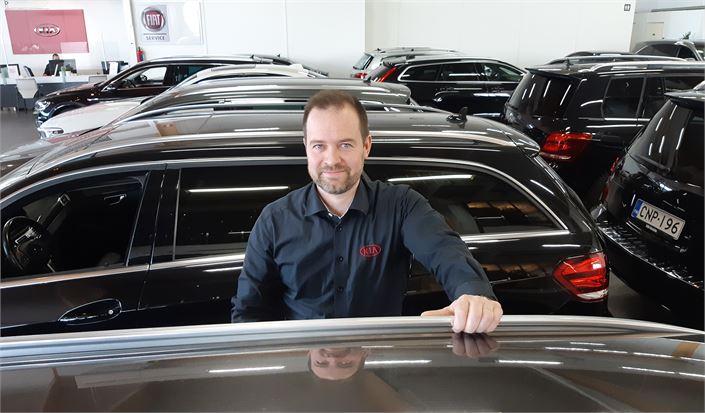 André Snellman povaa, että tulevaisuudessa asiakkaiden kotisohvilta tekemien autokauppojen määrä kasvaa vauhdilla. Asiakkaat pitävät helposta ja nopeasta tavasta tehdä autokauppaa.