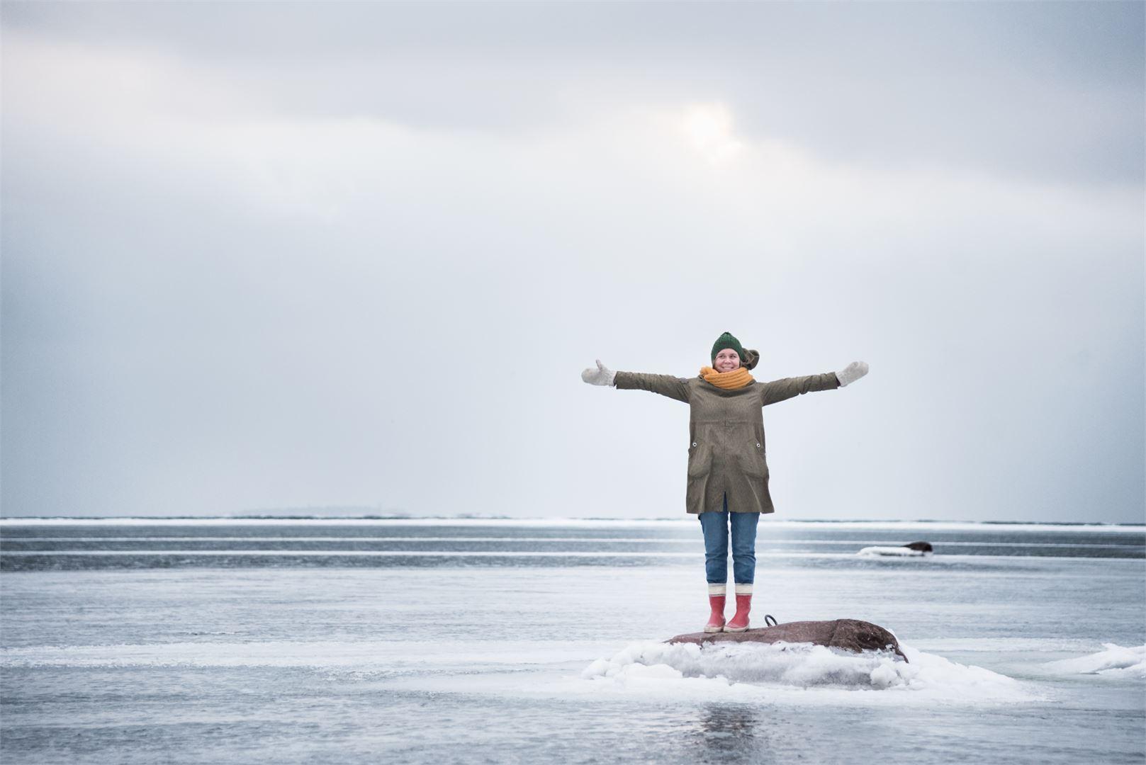 Liselott Sundbäck kehottaa heittäytymään ja nauttimaan elämästä.