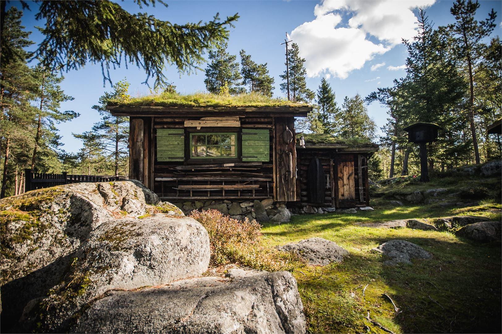 Arktisesta museosta Nanoqusta löytyy Suomen sympaattisin mökki ja mittaamaton määrä historian palasia.