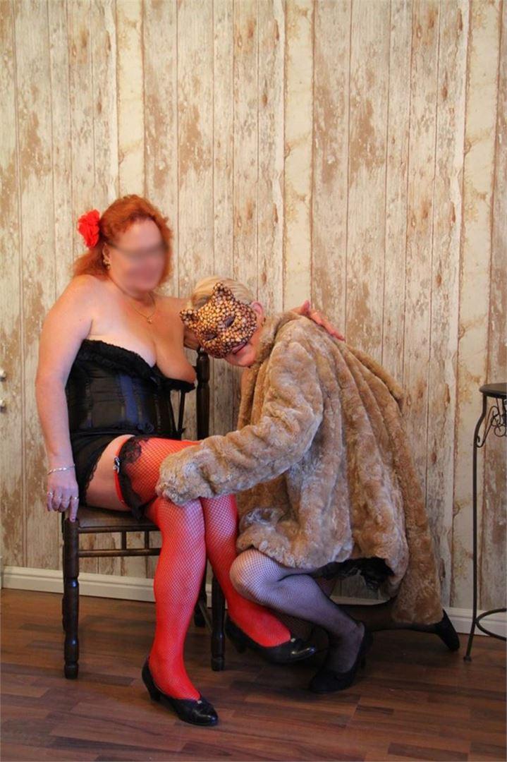 Irene harrastaa burleskia, joten hän on sinut kroppansa kanssa.