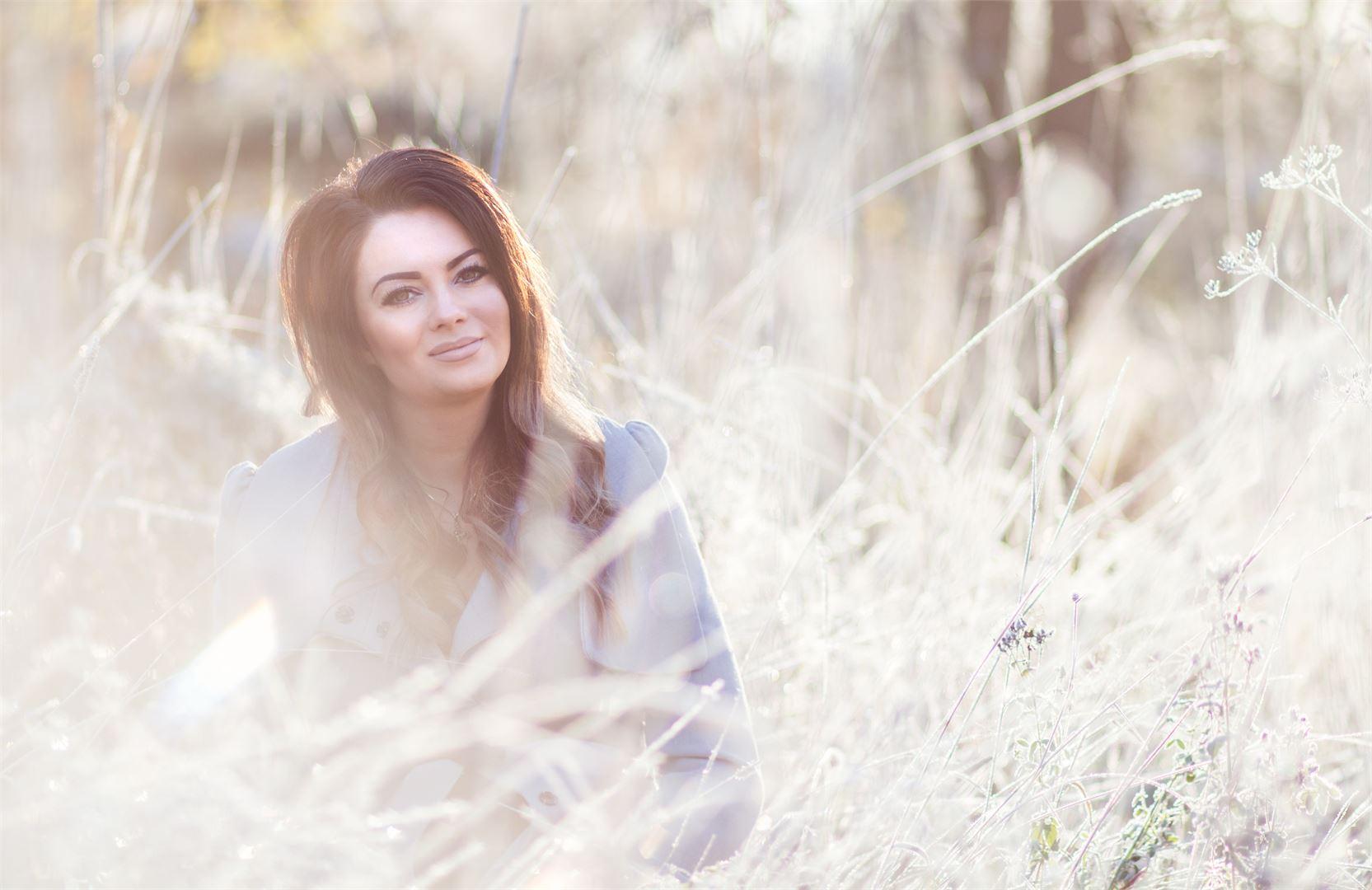 Tanja halua jakaa tietoa ja toivoa muille sairastuneille, elämä voi olla hyvää vaikka sairastaisi skitsofreniaa. Kuva Oona Jokinen