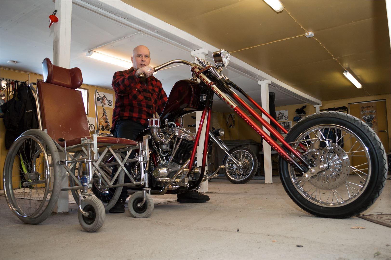 Anttila rakensi kolaripyörän uudestaan pyörätuolista käsin.