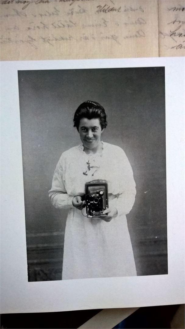 Hildur Larsson otti frendsien lisäksi myös selfien.