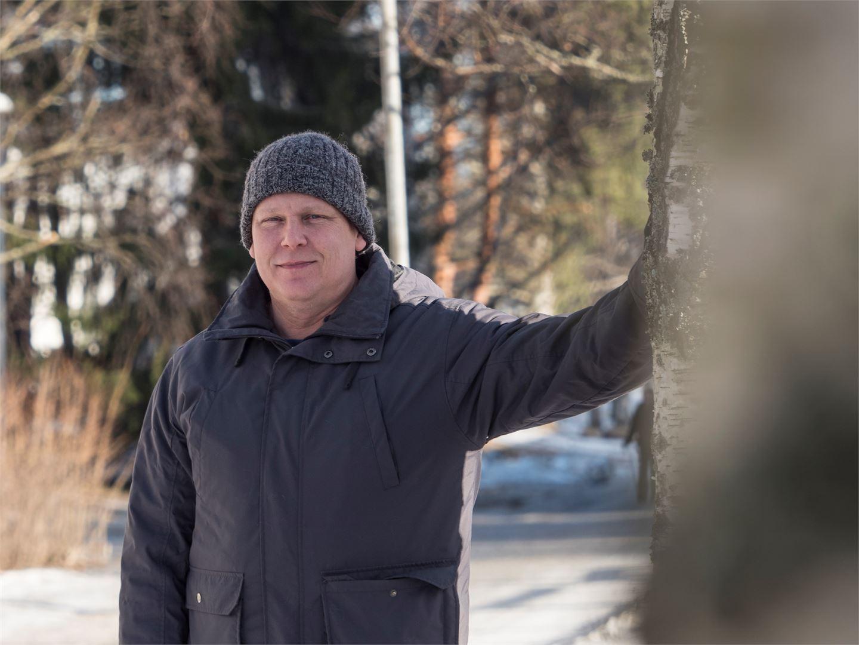 Henry Laasanen on ollut parisuhteessa 11 vuotta. Hän on onnistunut löytämään itselleen samantasoisen kumppanin. Kuva: Ville Keto.