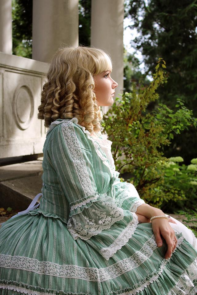 Lolita saa välililä näyttää ihan prinsessalta.