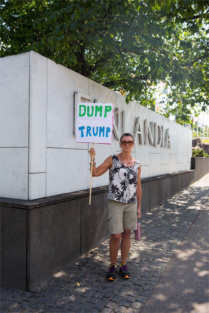 Одиночная акция у стен Дворца Финляндия